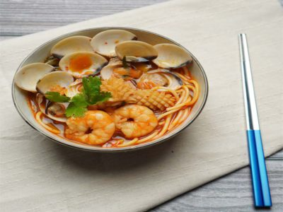 Jjampong (Korean Spicy Seafood Noodles) (serves 2)