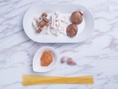 Miso Mushrooms Pasta (serves 2)