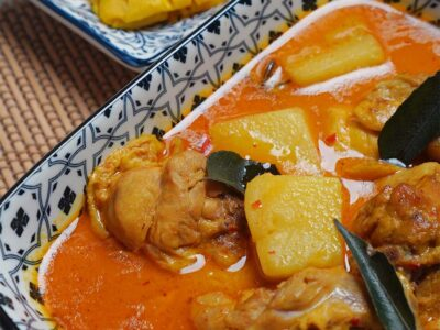 Nonya Curry Chicken with Roti Jala